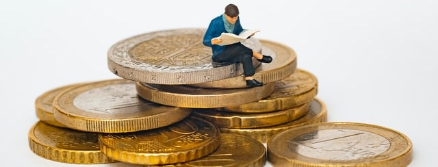 investment banking vs wealth management